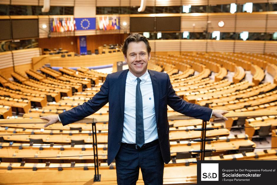 Det midtjyske Europarlamentsmedlem Niels Fuglsang (S) besøger Skanderborg og borgmester Frands Fischer.