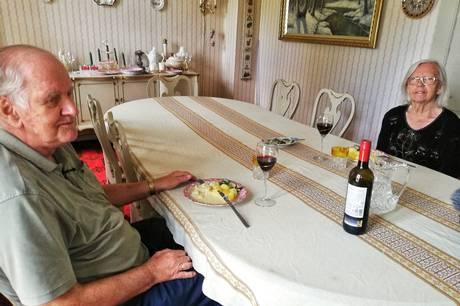 Det Grønne Museum og kostorganisationen i Sundhed og Omsorg i Norddjurs Kommune er gået sammen om at give hjemmeboende ældre på Norddjursland mulighed for at smage en bid af fortiden - et tilbud som Oda og John Søgaard-Nielsen fik lov at anmelde.