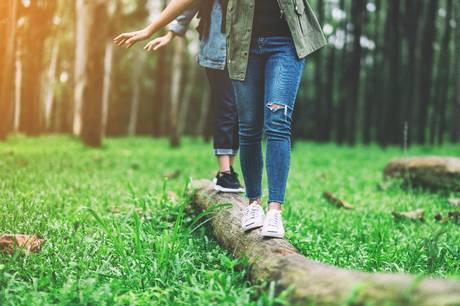 Alle er afhængige af en god balanceevne i deres normale dagligdag. Derfor er det vigtigt, at man holder den ved lige, så man mindsker risikoen for skader.