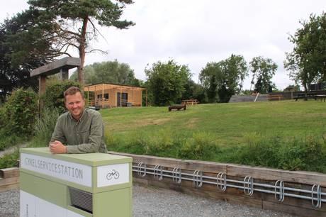 Op til 500 gæster om dagen kommer forbi den populære, afslappede café Æblehaven ved Brabrandstien