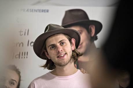 22-årige Albert Dyrlund var influencer og youtuber og er især kendt blandt unge. Han er død i en faldulykke i Italien.