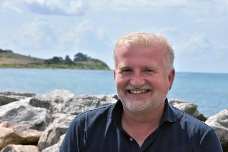 Danmarks største erhvervshavn har valgt 52-årige Carsten Kruse som ny kommerciel direktør. Han er aktuelt ansat som trafikdirektør hos Samsø Rederi og har mere end 30 års erfaring fra den maritime branche.