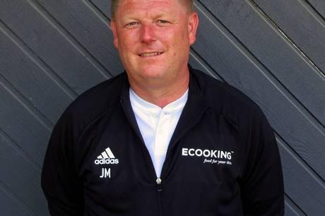 Efter nedrykningen fra Serie 1 skal Vivild IFs bedste hold have stabiliseret tingene i den kommende sæson under den nye cheftræner Jesper Møgelvang.