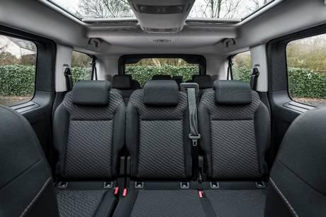 De elektriske biler breder sig i alle klasser. Toyota er klar med elektrisk Proace Verso, der har plads til ni og mulighed for op til 330 km på strøm.