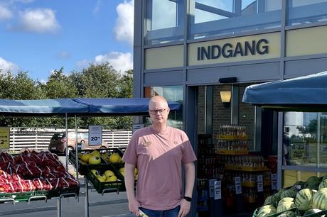 Lørdag drejer butikschef Jeff V. Andersen nøglen til Netto i Ebeltoft en ekstra gang, fordi butikken skal gennemgå en omfattende renovering og åbner først igen 9. september.