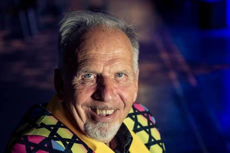 Den 67-årige entertainer er godt nok ikke tryg ved situationen - men har alligevel takket ja til at gå på gulvet i årets udgave af dansedysten.