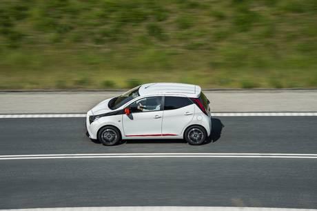 Salget af de opladelige hybrider udgør nu 22 pct., og Ford Kuga er i front. Mangel på computerchips kan øge leveringstiderne.