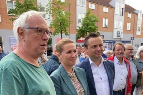 Statsministeren blev blandt andet mødt af en mini-demonstration.