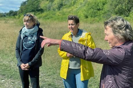 Besøg ved udsigtspunktet Jernhatten sammen med Kirstine Bille og miljøforkæmper førte til, at folketingspolitikeren nu vil stille miljøministeren et §20 spørgsmål.