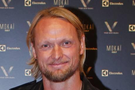 Arkitekten og tv-værten Eva Harlou bekræfter forholdet med den tidligere professionelle tennisspiller Kenneth Carlsen over for Se og Hør.