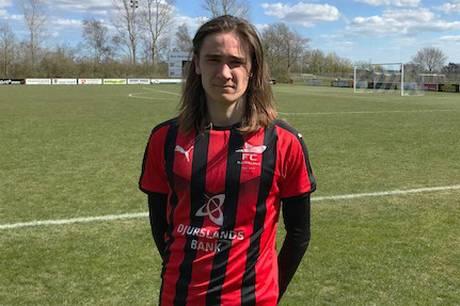 Oliver Jensen scorede på straffespark, da FC Djursland spillede 1-1 mod IF Skjold Sæby i Jyllandsserien 1, og unge Frederik Borup Vogel spillede en flot kamp som centerforsvarer.
