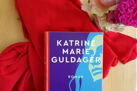 Katrine Marie Guldagers nyeste roman 'Det samme og noget helt andet' er foredragets omdrejningspunkt i Sløjfen.