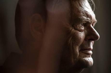 Den 80-årige skuespiller og revyveteran Ulf Pilgaard insisterer stadig på at tage en stor luns af livet. I sin nye biografi ser han tilbage - og stadig frem.