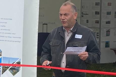 62-årige Kurt Møller er ny formand i foreningen Krydsfeldt-Norsminde, som arrangerer stort debatmøde om den manglende cykelsti til Ajstrup Strand. Flere lokalpolitikere har meldt deres ankomst.