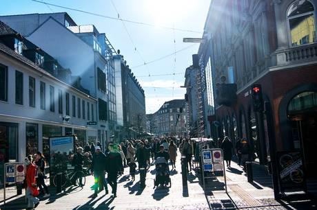 Mens Aarhus' mange butikker langsomt rejser sig fra coronakrisens aske og forsøger at indhente det tabte, vil Århus Onsdag og JP Aarhus sammen gerne hylde alle de gode shoppingoplevelser, byen har at byde på. Stem på den bedste her.