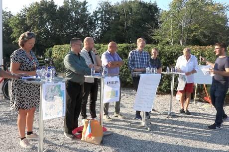 Ufærdig cykelsti var det helt store tema til politikertræf i Ajstrup.