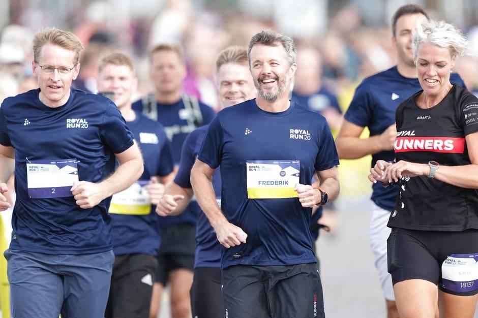 Både kronprinsen og kronprinsessen deltager søndag i Royal Run sammen med næsten 79.000 andre løbere.