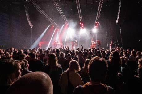 Med over 140 koncerter med etablerede navne og spirende talenter fordelt på små og store venues rundt omkring i byen indtager Spot Festival Aarhus 16. og 17. september.