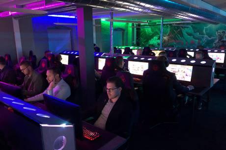 Der er gang i både maskingevær og håndgranater, når SPWN eSport til oktober afholder Counter-Strike turnering for lokale virksomheder.