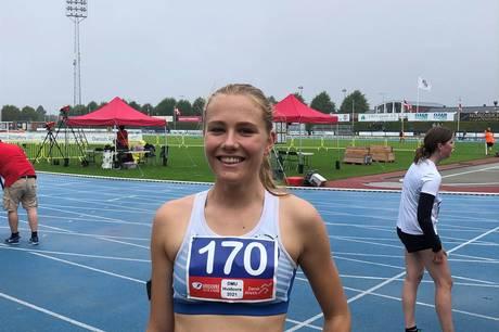 Det lignede ellers ikke en sejr med 100 meter igen for Emilie Birk Salomonsson, men en stærk slutsspurt gjorde, at hun nu kan kalde sig for dansk ungdomsmester.