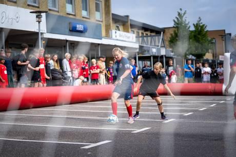 Corona blev for alvor sparket til hjørne, da Hørning City i weekenden inviterede til streetfodbold.