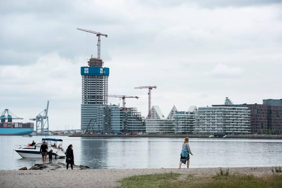 »Developere tjener stort på at bygge i populære Aarhus, og det bør forpligte langt mere,« skriver SF