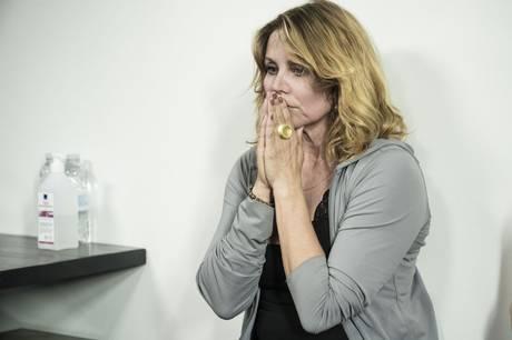 """Skuespiller Anne Louise Hassing har længe dyrket yoga, men opdagede en stor ændring, da hun styrketrænede og fastede i programmet """"12 uger i helvede""""."""