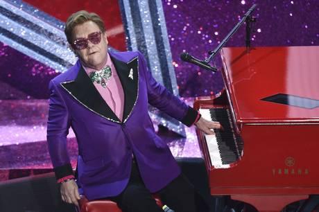 Elton Johns septemberkoncert i København er udskudt til 2023 på grund af en hofteskade.