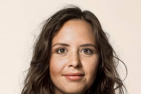 Victoria Velasquez er medlem af Folketinget for Enhedslisten siden 2019 som partiets beskæftigelses- og arbejdslivsordfører. Pressefoto