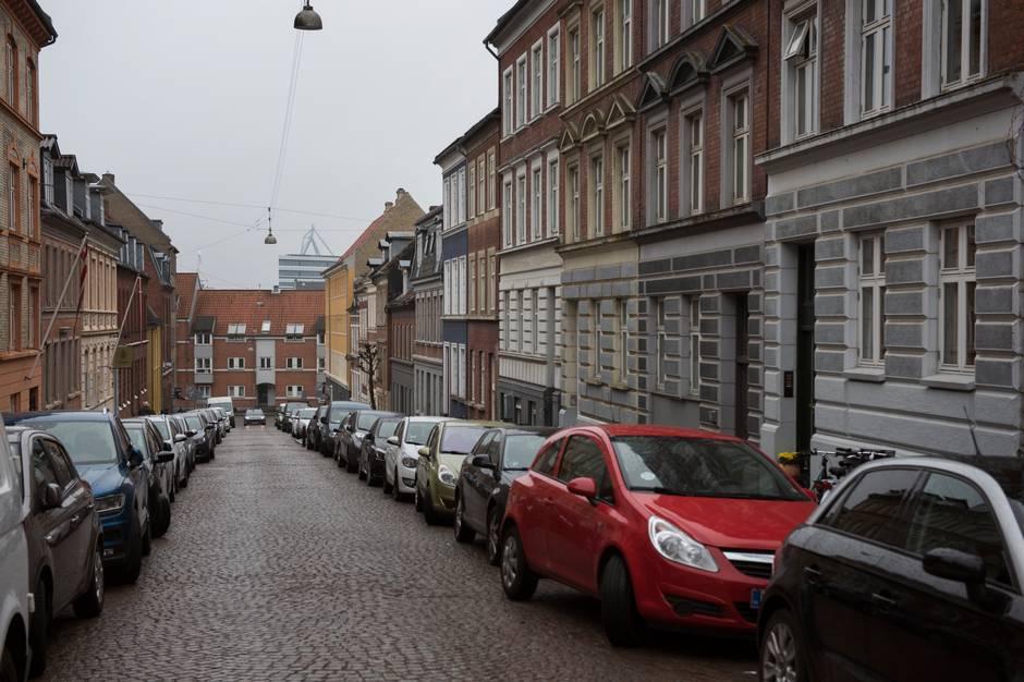 Over 50 pct. af de adspurgte i en undersøgelse peger på parkeringsmuligheder som det dårligste velfærdsområde. Det forstår rådmanden godt, men understreger, at problemet ikke kan komme helt til livs.