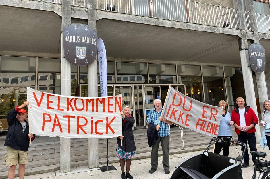 For fjerde gang går Patrick Cakirli landet tyndt i sin indsats mod ensomhed. Fra Bornholm til Esbjerg - 1600 kilometer i alt. I torsdags ramte han Aarhus.