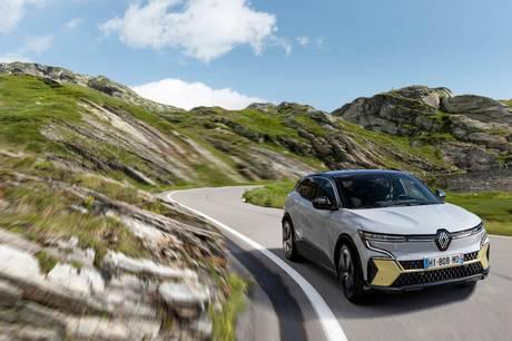 Renault klar med den nye Megane E-Tech Electric, der kommer til foråret, og som klarer op til 470 km på en opladning.