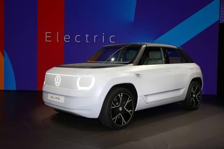 Den nye Volkswagen ID. Life giver et indtryk af de fremtidige billige elbiler fra Volkswagen, Seat og Skoda, som dog først kommer om godt tre år.