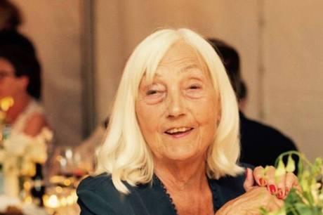 Et langt og smukt liv er slut. Eva Utzon fra Aarhus er død i en alder af 86 år.