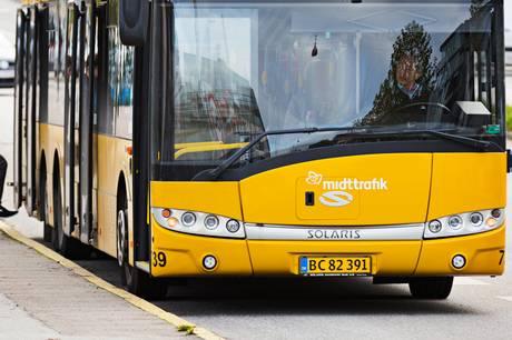 17-årig kvinde har anmeldt ubehagelig oplevelse i bybussen.