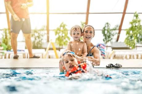 Aarhus skal have en ny svømmehal med rutsjebaner, varmtvandsbassin og oplevelser for hele familien.