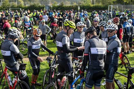 Der var fuldt hus ved Hammel Cykle Klub, som havde inviteret til minde-løb for afdøde Chris Anker Sørensen.