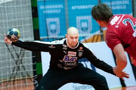 Det blev en sikker sejr til de danske mestre fra Aalborg Håndbold, der slog østjyderne med ni mål i holdets første hjemmekamp i Ceres Arena.