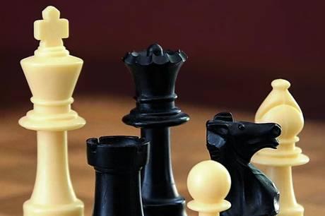 Mandag 11. oktober afholdes der undervisningsaften i Syddjurs Skakklub. Efterårsturneringen fortsætter 25. oktober.