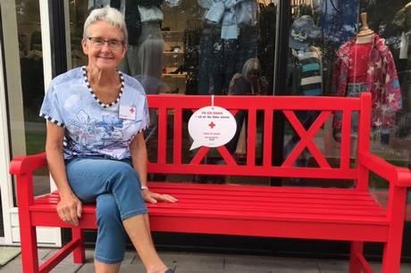 Dansk Røde Kors Hornslet-Rosenholm har fokus på den omsiggribende ensomhed i Danmark.