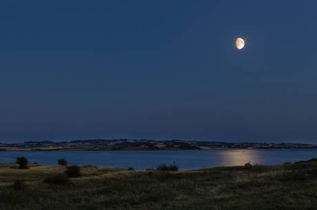 Bliv ven med mørket, når Nationalpark Mols Bjerge tilbyder overnatning i det fri hos Karpenhøj Naturcenter  i Mols Bjerge.