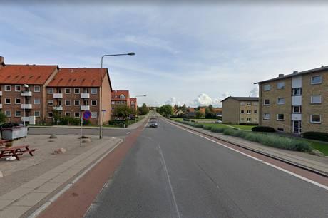 44-årig mand er anholdt for vold mod hundelufter på Nørre Alle i Kalundborg.