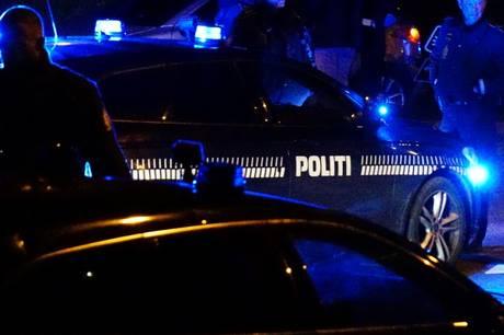 Politiet rykkede ud til bar, hvor to mænd opførte sig aggressivt
