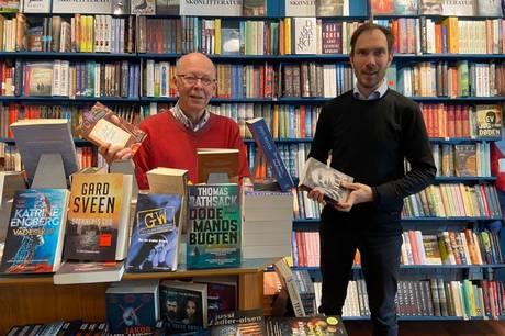 Ved det kommende månedsskifte får Røndes boghandler gennem snart 42 år, Niels Trangbæk, opfyldt sit store ønske om at afhænde en stor del af sin virksomhed til en køber, der har den samme tro på, at glæden ved bøger og godt købmandsskab ikke er hinandens modsætninger.