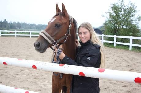 Talentfulde Line Busk Heltborg, Kongsvad Rideklub, var skarp som en ragekniv, da hun og hesten Gaville kom øverst på sejrspodiet ved de indendørs Agria DRF-mesterskaber i Sønderborg forleden.