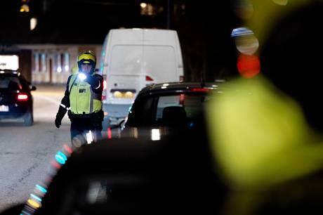 Bilejeren har i retten erkendt, at han havde omregistreret sin bil til en kammerat, efter at han var blevet taget for vanvidskørsel i Vallensbæk.