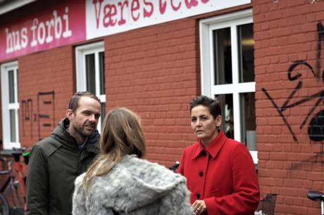 """Bænke med """"skillere"""", betalingstoiletter på offentlige steder og fjernelse af bænke. Der er flere eksempler på """"fjendtlig arkitektur"""" i Aarhus, mener SF."""