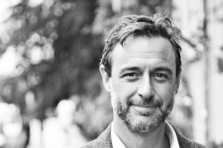 Jakob Olrik er 27. oktober i Aarhus med sit populære foredrag 'Kærlighedskompasset'. Pressefoto