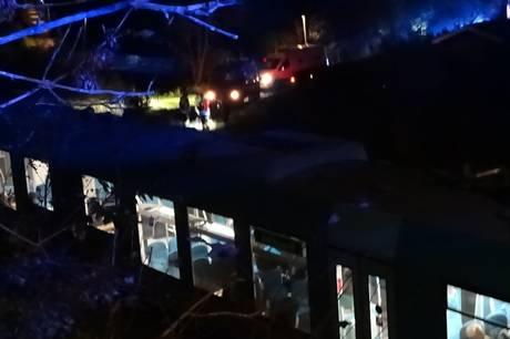 En person er her til morgen blevet ramt af et tog i Skive, det oplyser vagtchefen hos Midt- og Vestjyllands Politi.