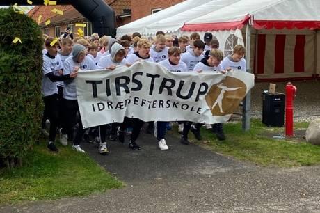 Hvis de godt 130 unge på Tistrup Idrætsefterskole havde barrikaderet sofaen hjemme hos deres familier i weekenden, skal de ikke høre et ondt ord for det.  Læs her hvorfor.